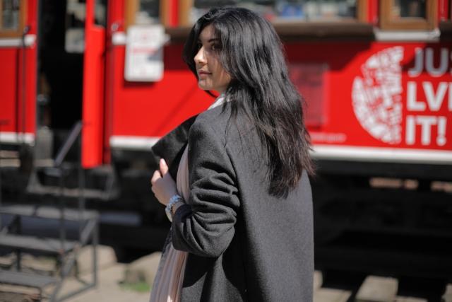 黒いコートにほこりが付くのを防止する方法とは!?