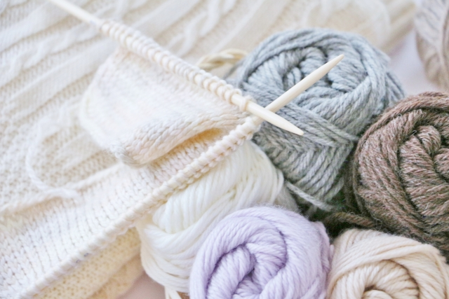 自分好みのニットバッグが基本の編み方で簡単に作れる!
