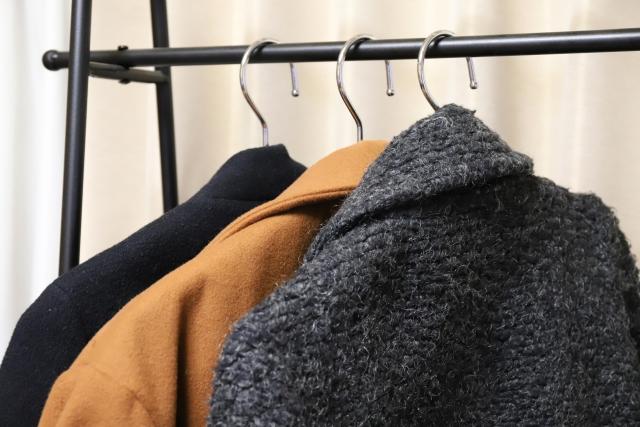 オシャレなコートも生地を選べば暖かい着こなしに!