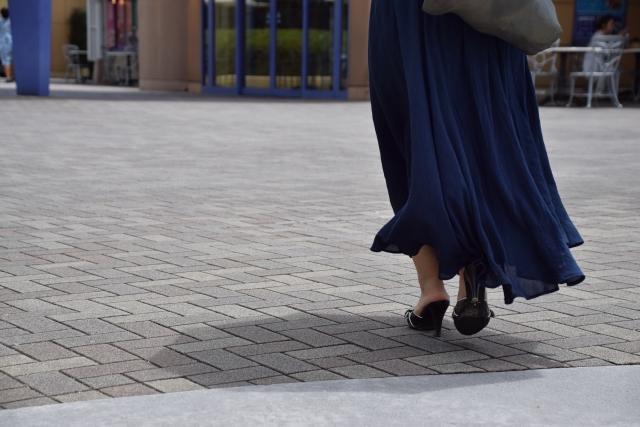 コートとロングスカートを合わせるコーデはバランスが大切!