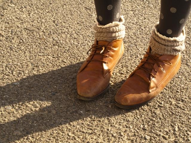 レギンスやタイツと靴下はダサい?合わせ方次第でお洒落に!