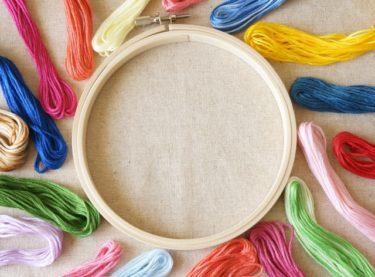 ニットに刺繍するのは難しい!簡単な刺繍のやり方をご紹介!