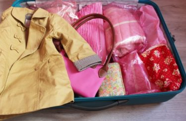 コートのシワ防止はたたみ方とスーツケースの入れ方が重要!
