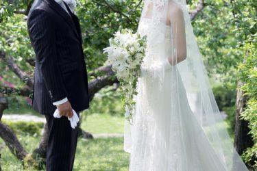 デニムコーデの結婚式が話題!メンズ向けのデニムコーデとは